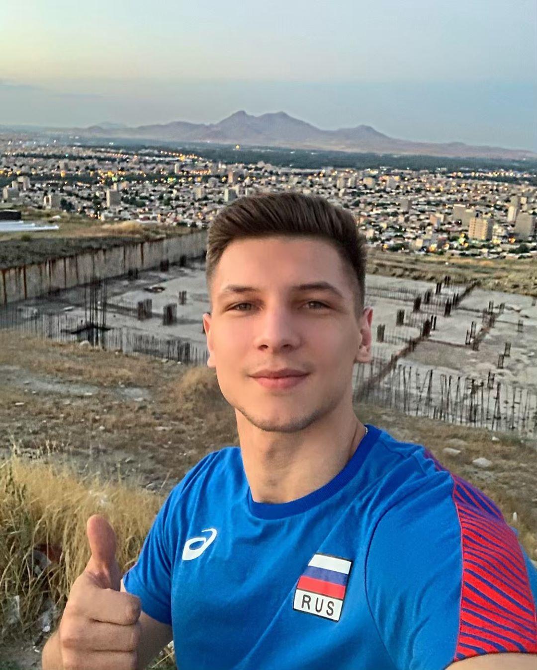 Красавцы из сборной России по волейболу