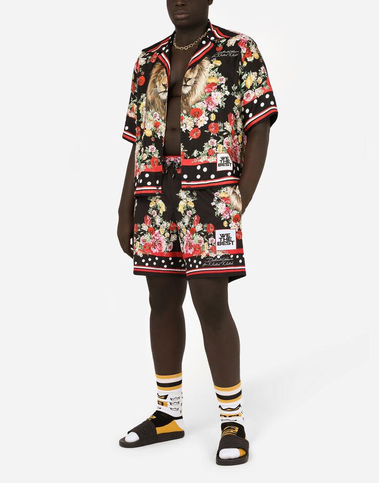 Холанд + стиль = мощь. Новая фотка Эрлинга в футболке от D&G, которая больше похожа на ковер