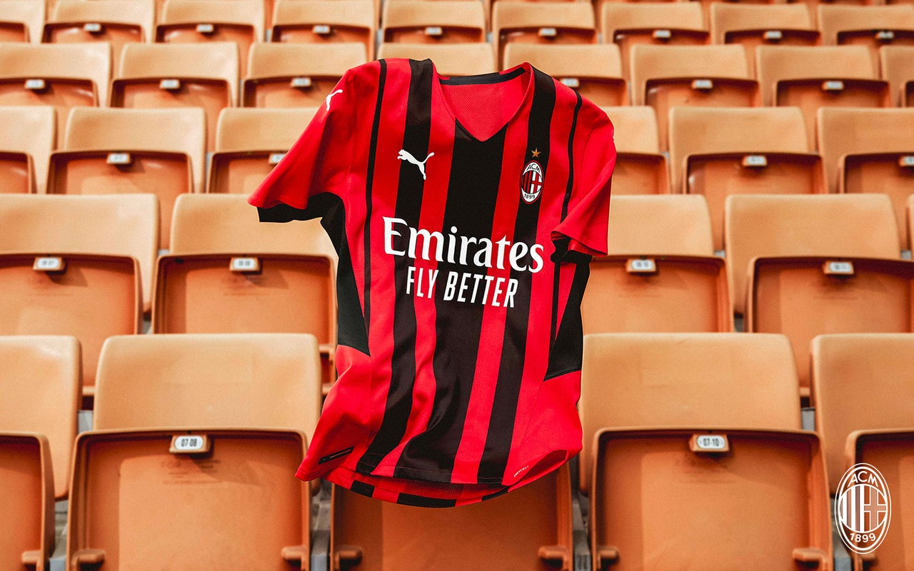«Милан» представил домашнюю форму сезона 21/22