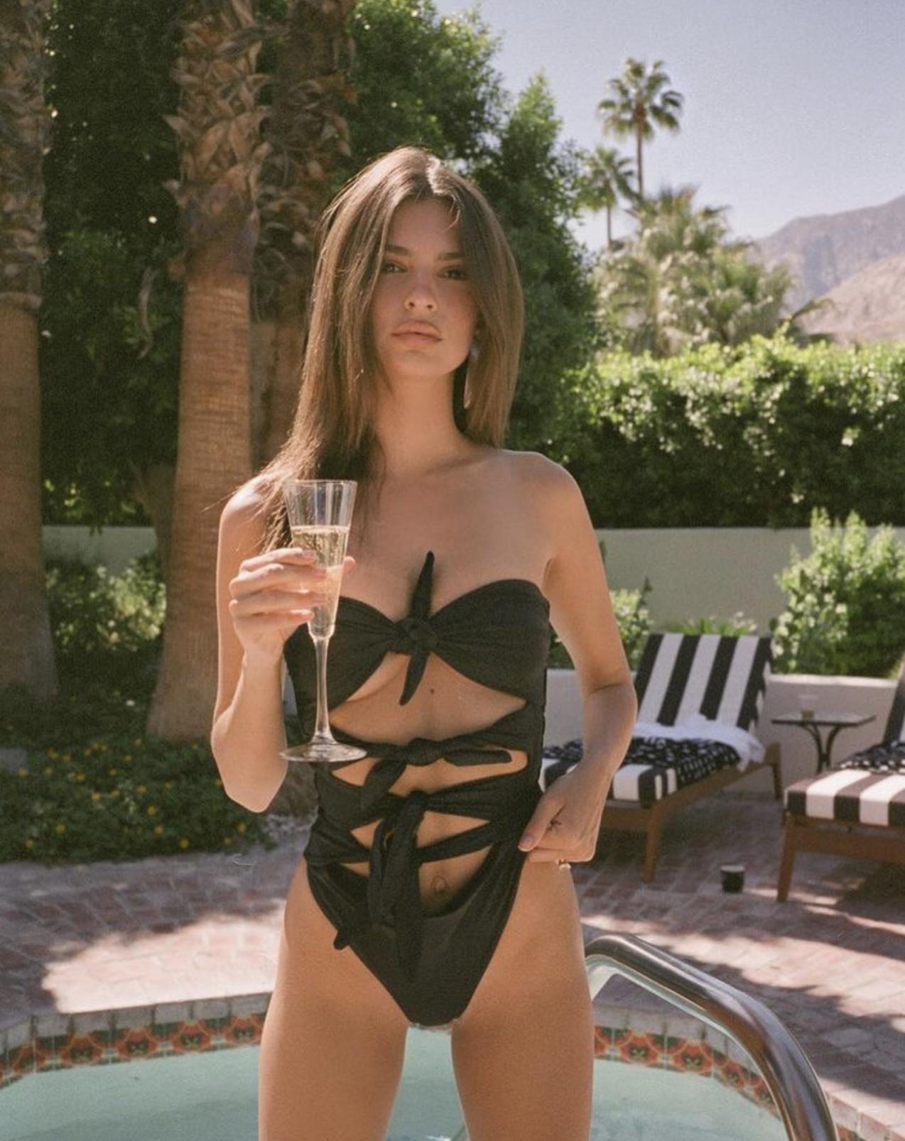 Эмили Ратаковски — королева «Ромы», модель, актриса и одна из самых желанных девушек мира