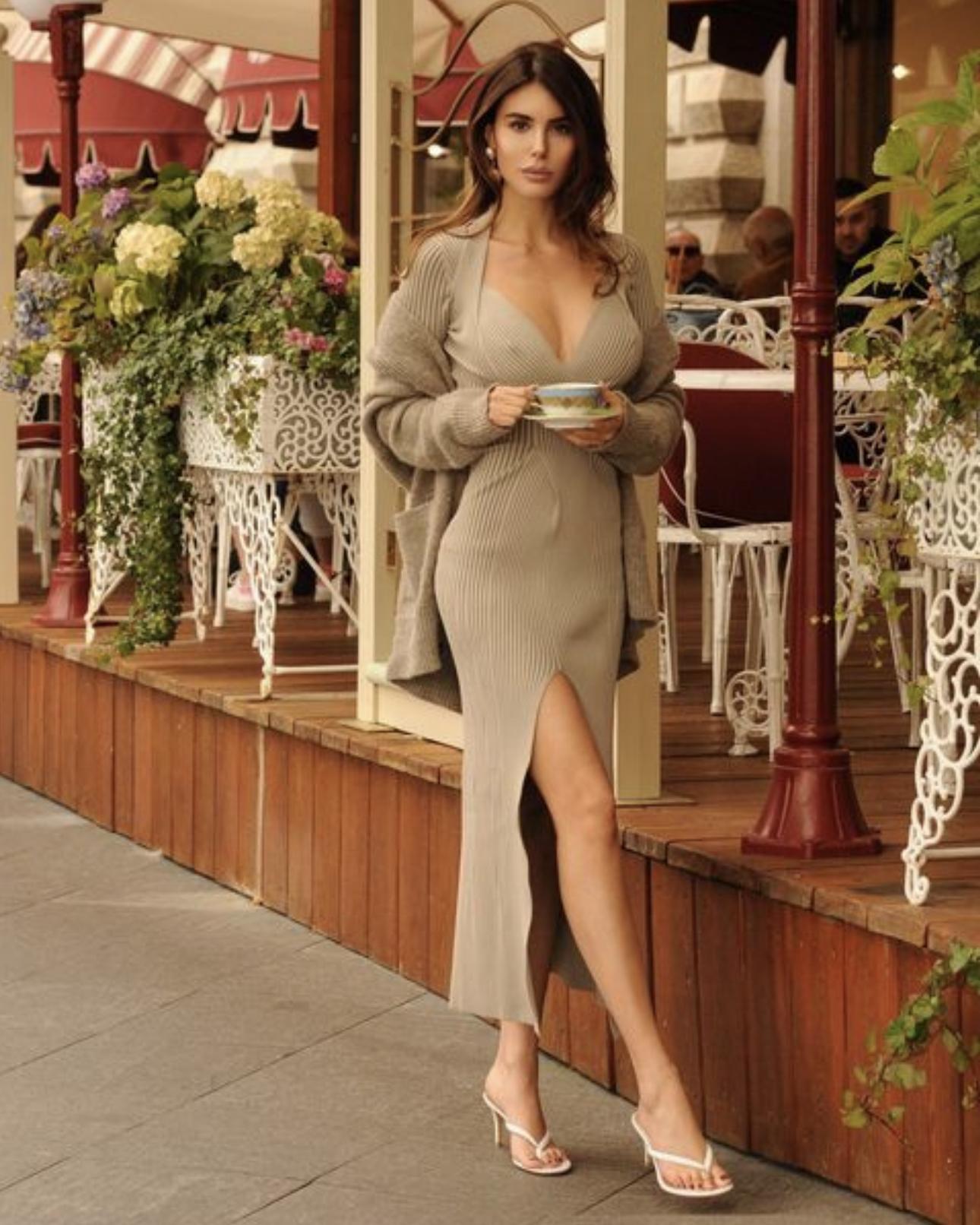 Сильвия Карузо — итальянская модель и ведущая вечернего шоу «Monday Night»