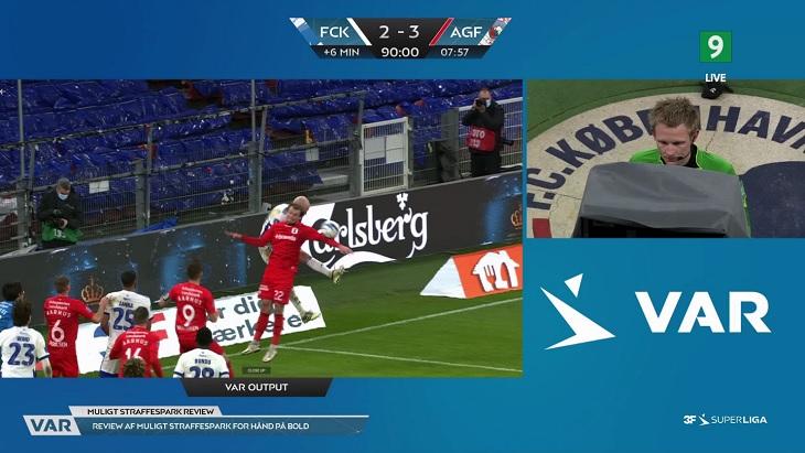 «Копенгаген» ушел от поражения благодаря пенальти после финального свистка. Судья добавил 6, забивали на 101-й