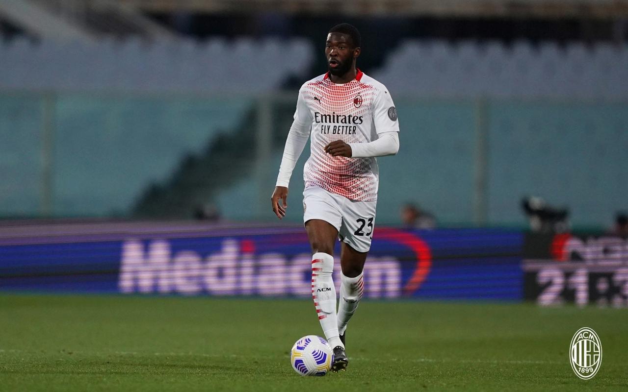 Кажется, «Милан» переподписал Златана еще на год (оклад тот же – 7 млн). С Доннаруммой и Чалханоглу согласия все ещё нет