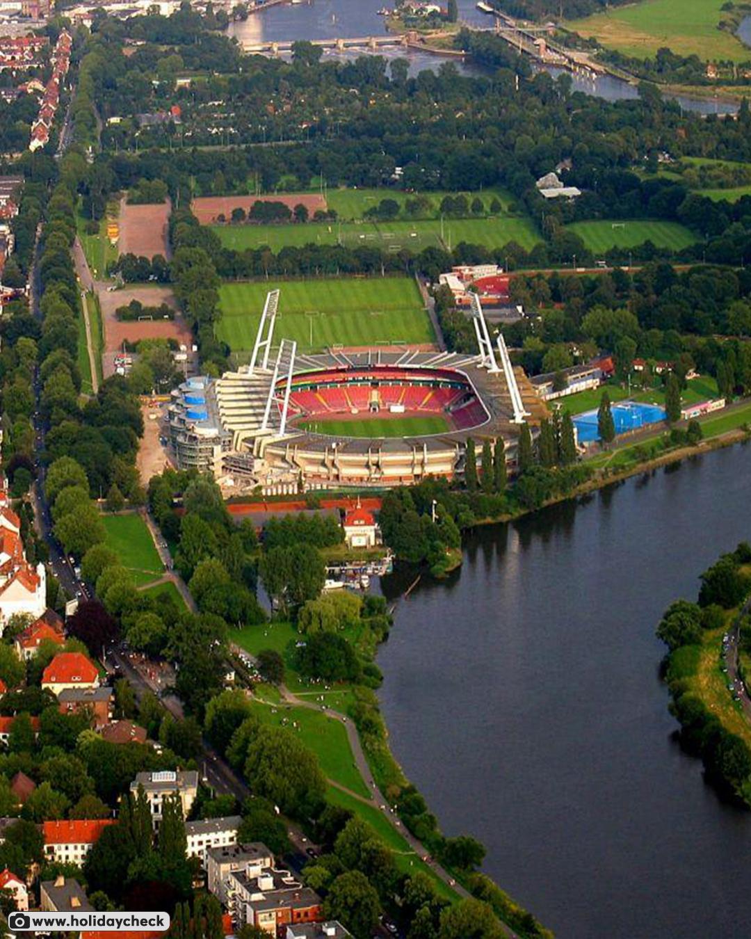 Стадион «Вердера» был построен в 1909, а официально открыт в 1947 году (фото с дронов)