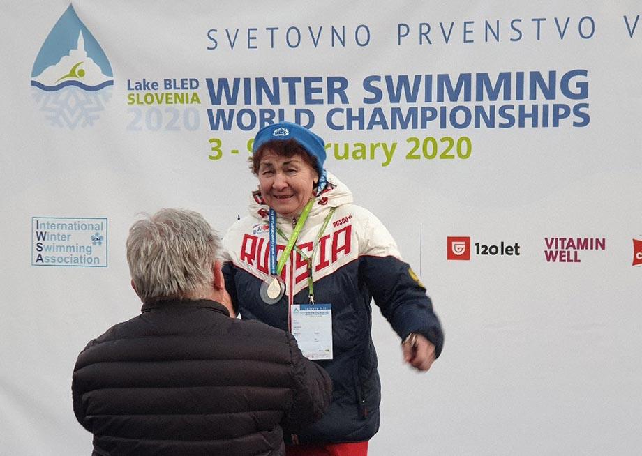 Чемпионка в 83 года. Пловчиха Нина Максимова – самая быстрая в ледяной воде