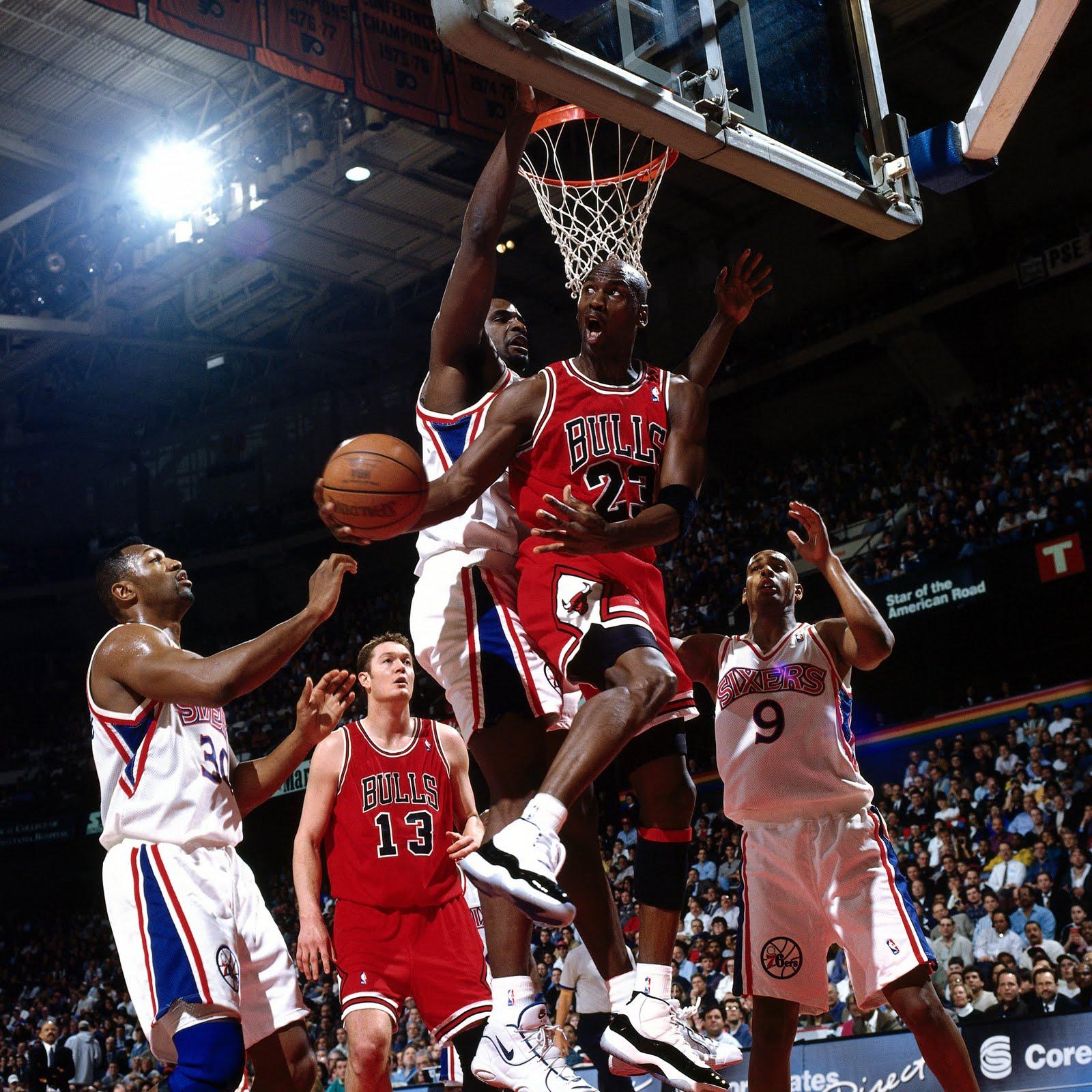 9 неудержимых приёмов в НБА