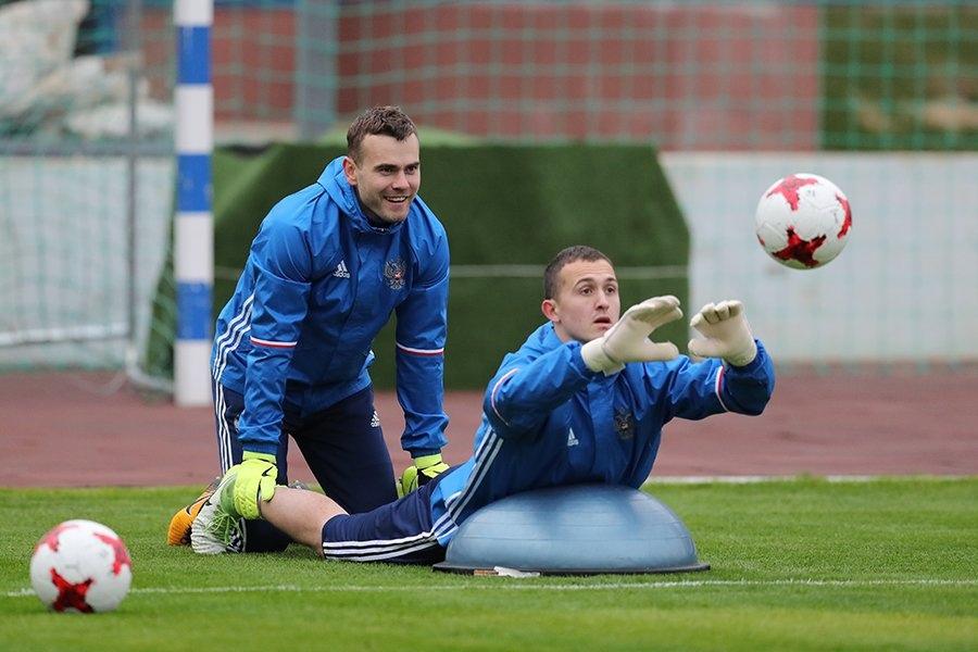 Акинфеев — о переходе Лунёва: в Германии тяжело. Даже «Бавария» пропускает по 30-40 голов