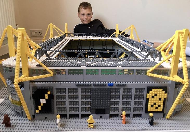 12-летний английский пацан собирает немецкие стадионы из Lego – без чертежей, просто по фото! Показываем всю коллекцию