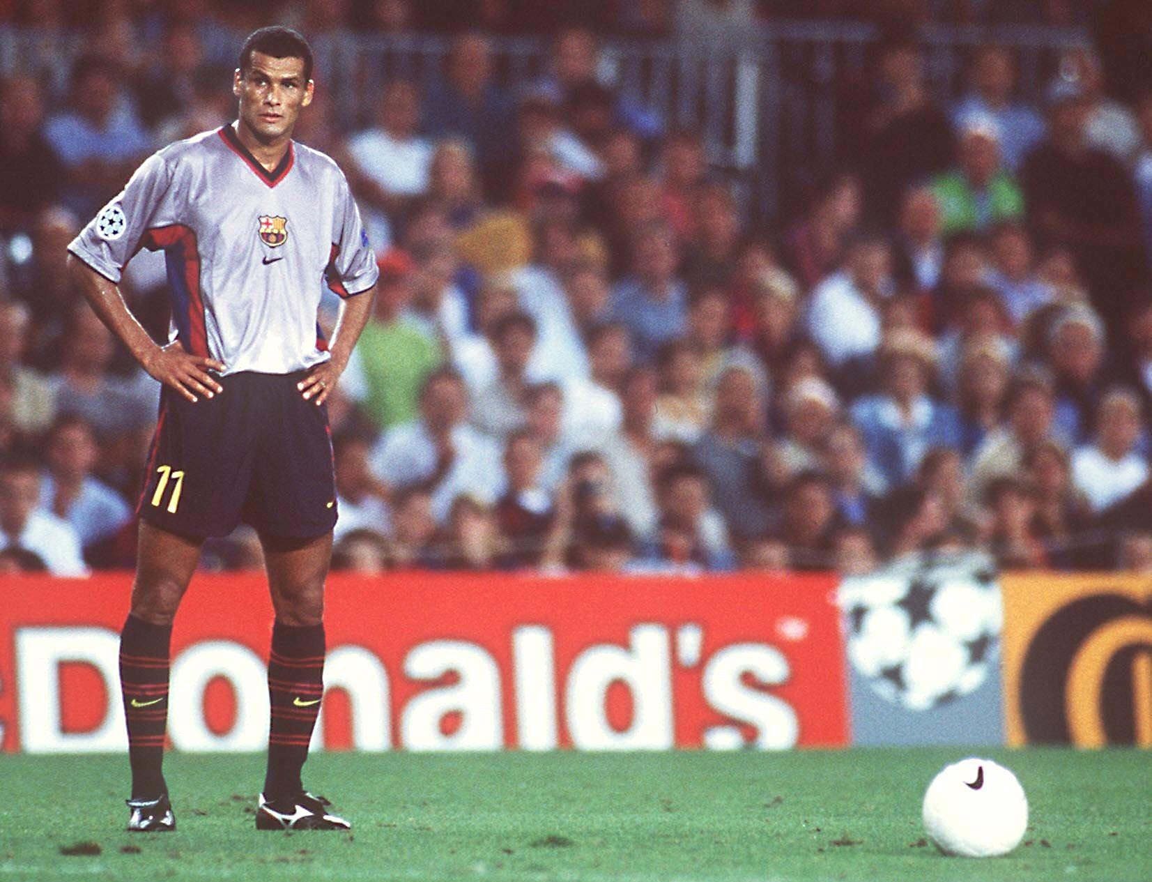 В 1996-м Ривалдо зажигал в «Депортиво». Он вывел клуб в Кубок УЕФА, но весь год мечтал только о «Барселоне»