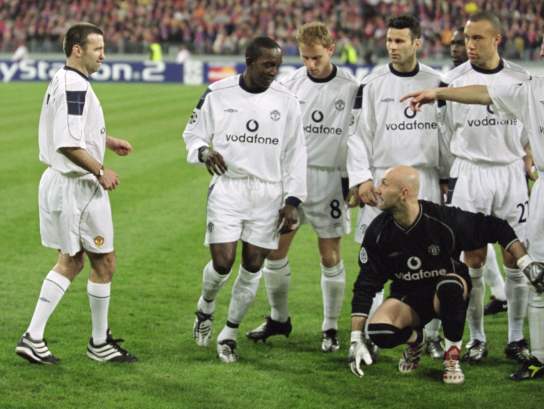 Ровно 20 лет назад в составе «Манчестер Юнайтед» на матч ЛЧ вышло 12 человек. Это как?