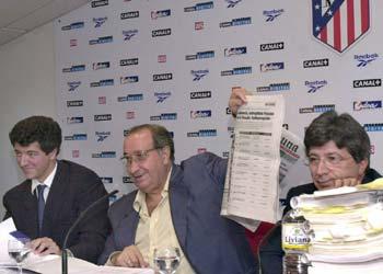 Клуб за 0 евро, футболисты в залог и существование в кредит. Как живет «Атлетико» за пределами футбольного поля?
