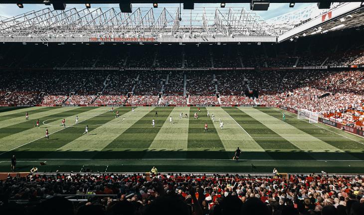 Британский легкоатлет с детства болел за «Манчестер Юнайтед». Теперь работает с командой два раза в неделю