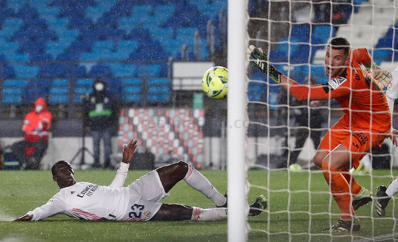 Мадрид сыграл по новой схеме и победил Хетафе