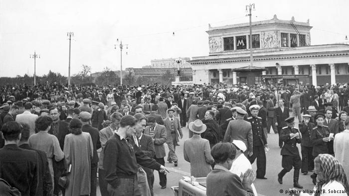 66 лет назад состоялся легендарный матч СССР – ФРГ. Это первая встреча советских и немецких футболистов после войны