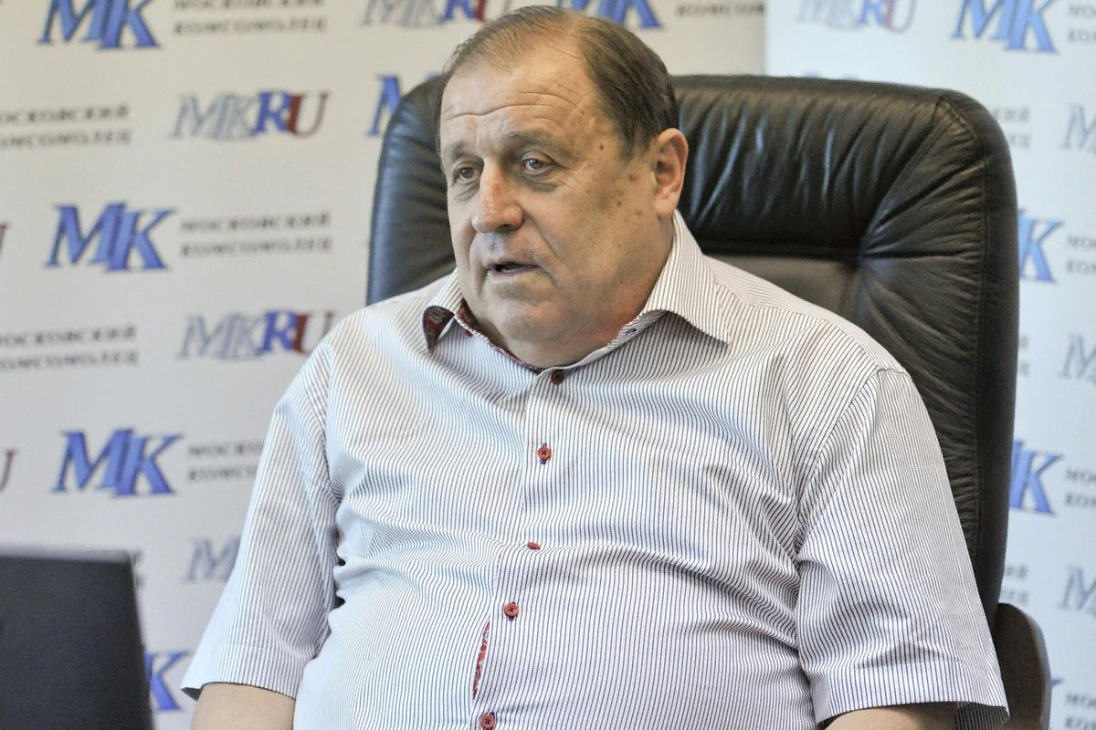 Онопко, Писарев теперь в сборной, а где сейчас другие ассистенты тренеров, которые работали в сборной до них?