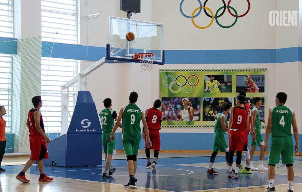 Ашхабадский Дюрант, легендарный Барберена и тайна камерунского интернета. Баскетбол на минималках