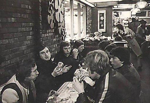 «Спартак» в 1979-м гонял в американское турне: играли на хоккейных коробках, а футболисты закупались джинсами и техникой