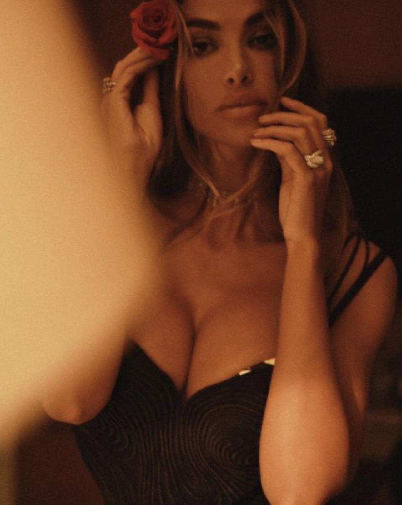Мадалина Генеа — известная  модель и бывшая полузащитника «Ромы» Николо Дзаньоло. Ради неё он бросил беременную подругу!