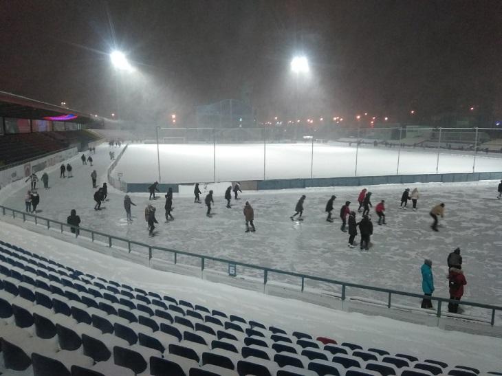 На стадионе «Тамбова» – каток. Это традиция с 90-х, а к реконструкции даже не приступали, хотя чиновники отчитывались о 3-м этапе