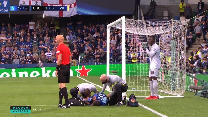 Драма Зиеша в Суперкубке: забил элегантной подсечкой, а потом травмировался – понадобился ингалятор с обезболивающим
