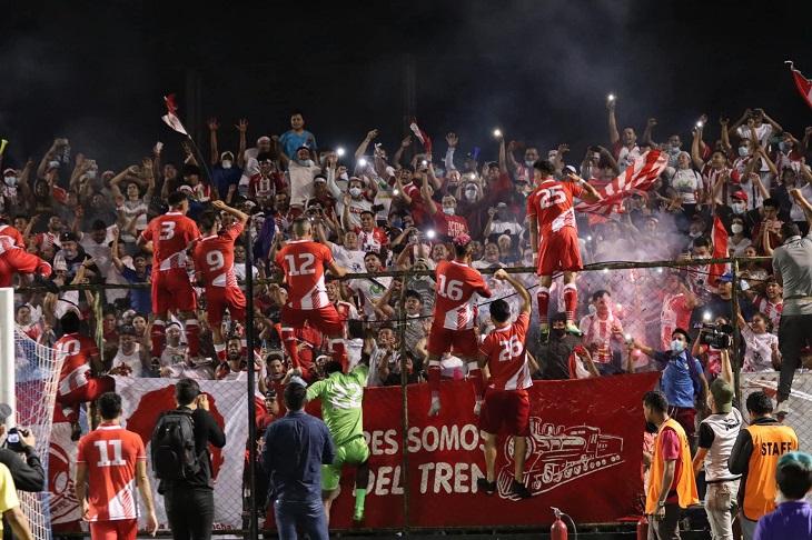 23-летний тренер вывел команду из Никарагуа в местную Лигу чемпионов. И взял с ней два титула за год