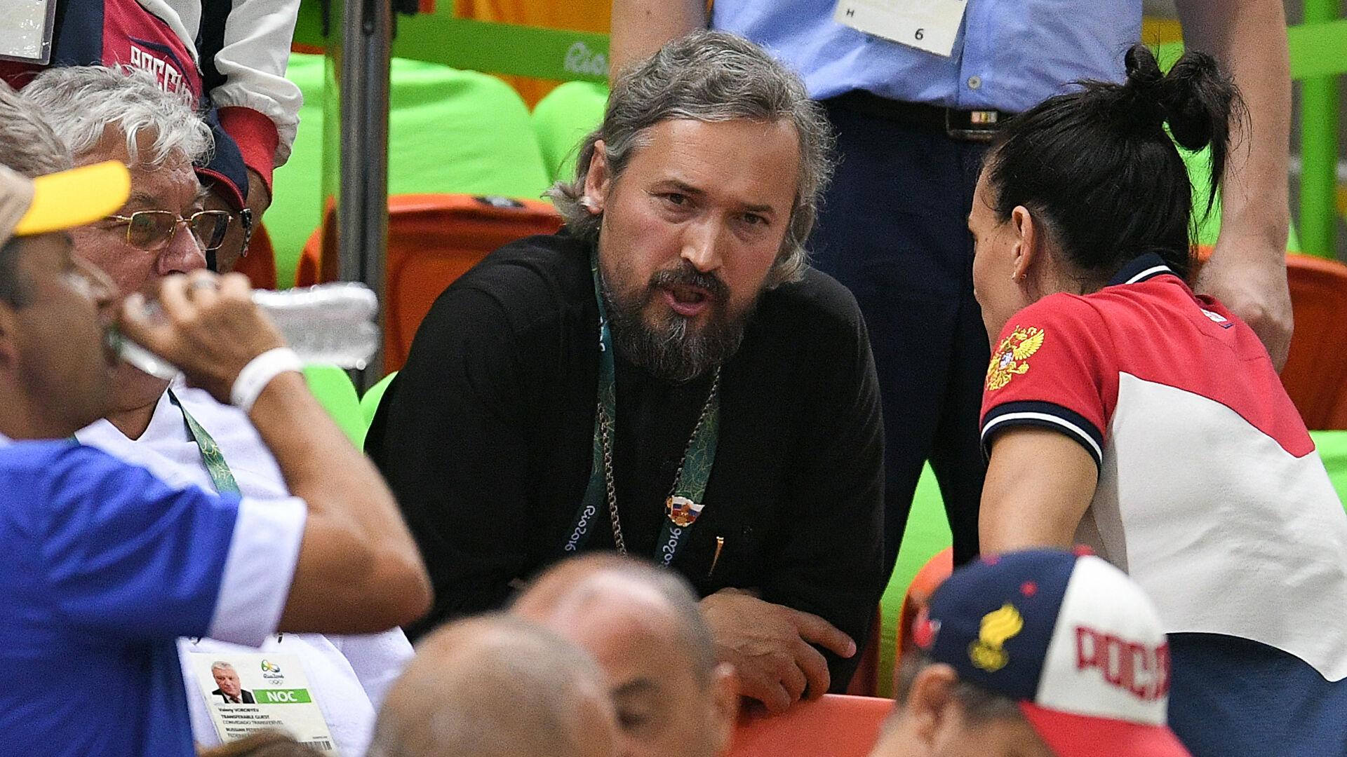 На Игры с командой ROC приехал священник. Кто такой протоиерей Алексеев и зачем он нужен сборной?