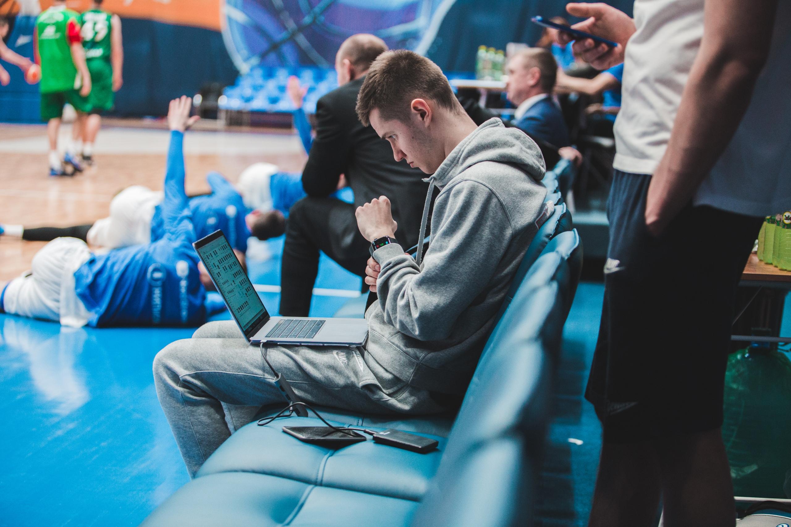«Если я перестану работать, отец не тот человек, который будет это терпеть». Сын Сергея Базаревича – скаут сборной России