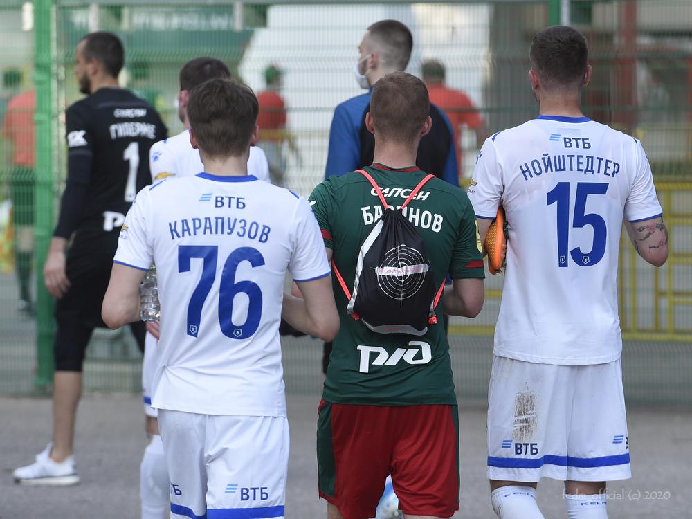 Коронавирус в «Ростове» доказывает, что начинать футбол в России еще рано