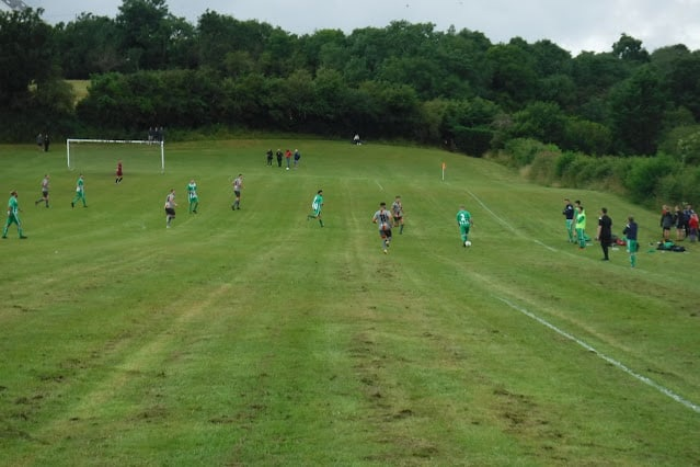 «Банана Питч» — скорее всего, самое кривое футбольное поле в Великобритании