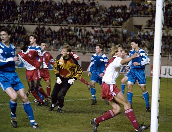 Непривычные комплекты форм российских и советских футбольных команд