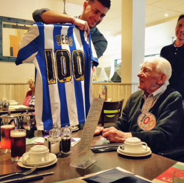 Он посещал матчи «Шеффилд Уэнсдей» в течение 97 лет