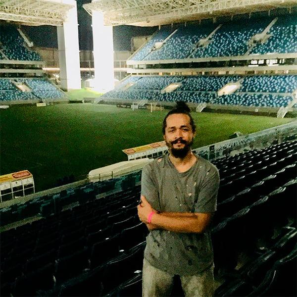 Выпускные и выставки вместо матчей, бездомные в раздевалках. Самые известные заброшенные стадионы со всего мира