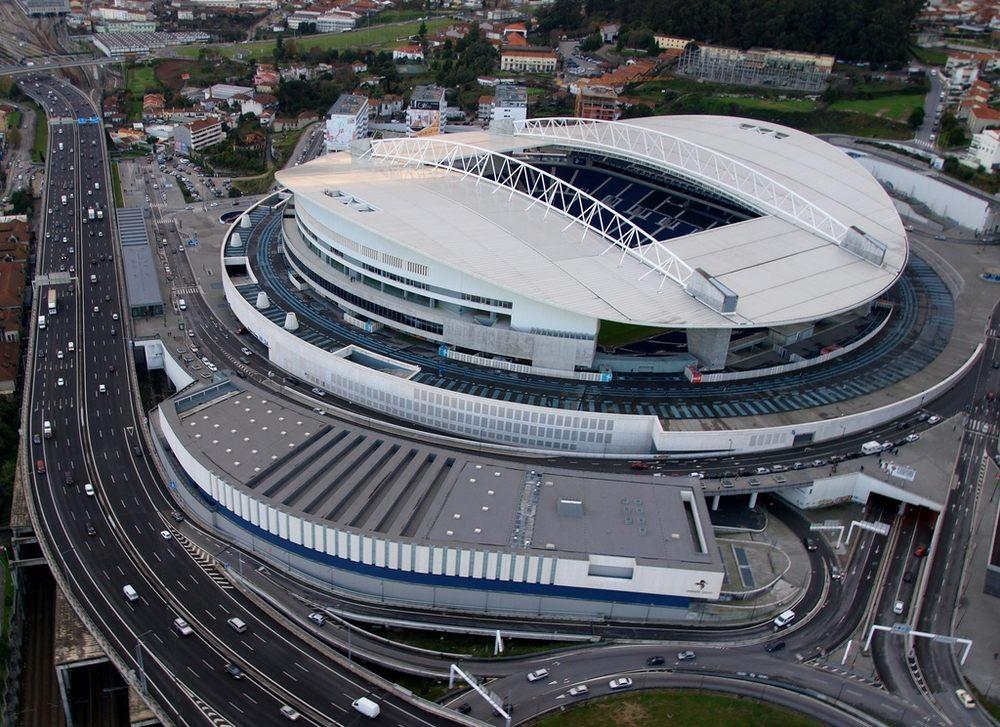 «Челси» вернул часть билетов на финал ЛЧ  — слишком дорого. А что насчет цен на финалы других еврокубков?