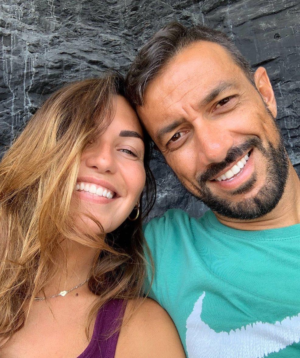 Дебора Сальваладжио – любимая девушка Фабио Куальяреллы. Сейчас узнаете, кто вдохновляет форварда на бомбардирские подвиги!