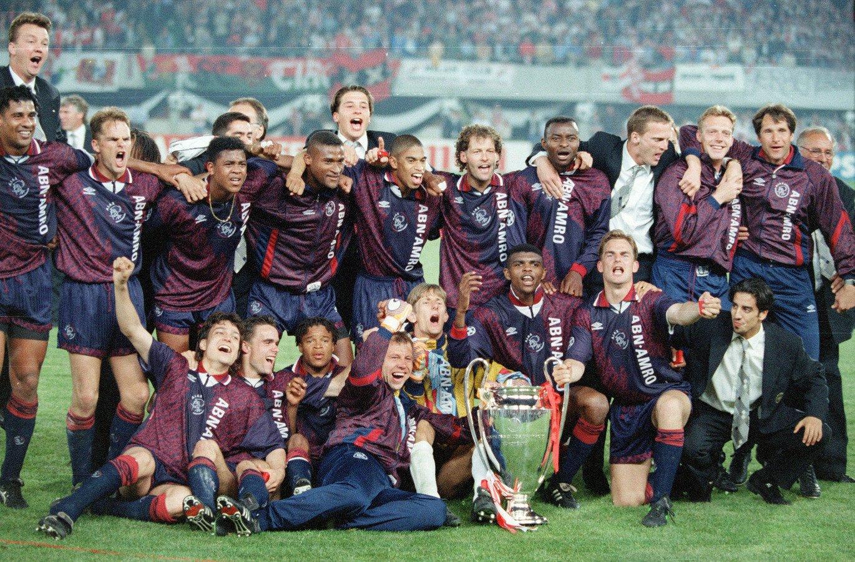 26 лет назад «Аякс» выиграл Лигу чемпионов. Победный гол в финале забил 18-летний Патрик Клюйверт