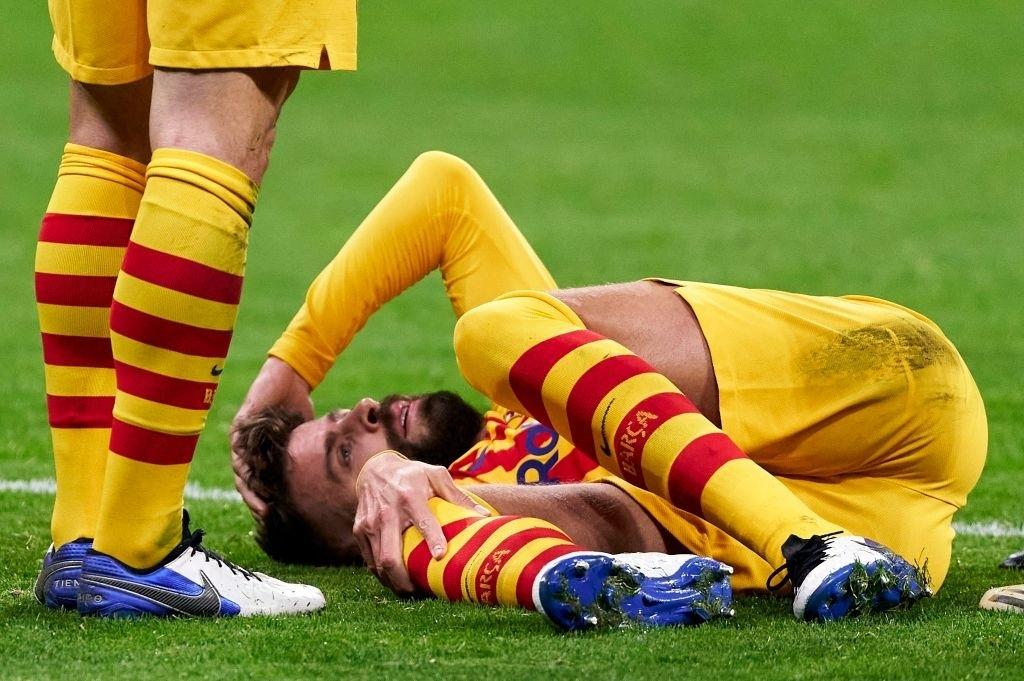 Беззащитная «Барселона». Барса терпит поражение и теряет защиту. Итоги матча «Атлетико» - «Барселона»
