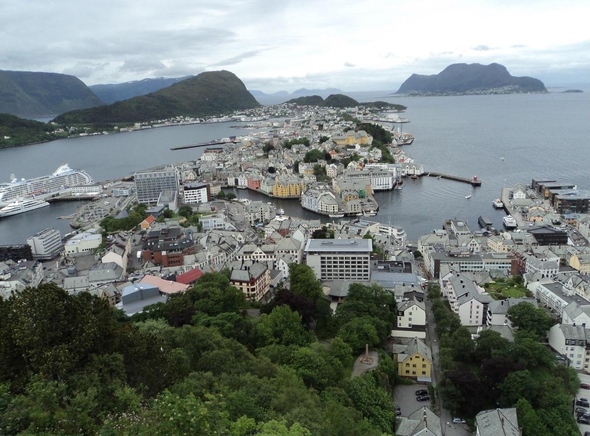 Олесунн, Йон-Арне Риисе, сборная Норвегии по футболу, высшая лига Норвегия, Кубок Норвегии, Д2 Норвегия