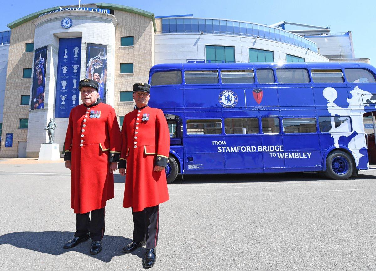 У «Челси» давняя связь с королевским военным госпиталем. Ветеран даже был на первой эмблеме клуба. Откуда это пошло?
