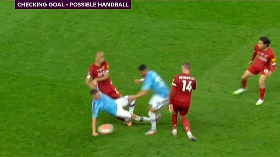 Правило игры рукой все же подправили. Теперь голы не будут отменять из-за случайного касания мяча партнером