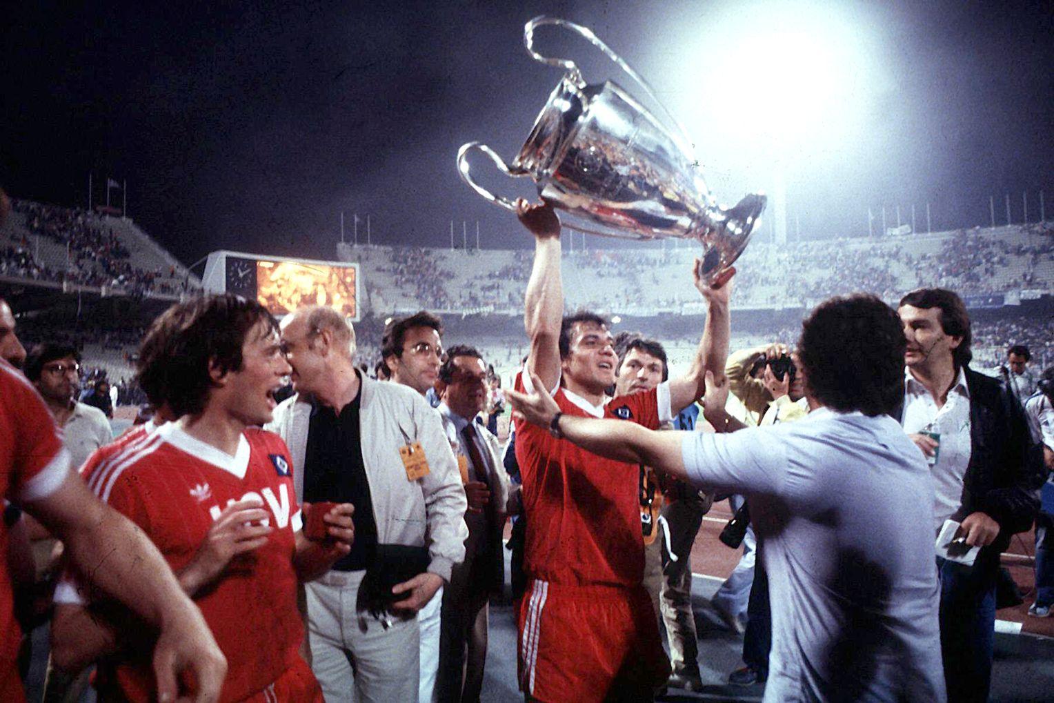 «Гамбург» не может выбраться из второй Бундеслиги. А 38 лет назад команда стала лучшим клубом Европы!
