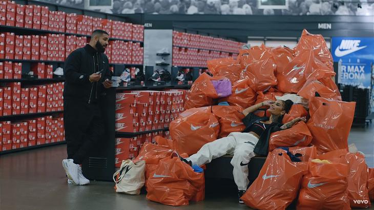 Дрейк снял клип в штаб-квартире Nike: поиграл в баскет с Дюрэнтом, повторил образы Леброна и Мохаммеда Али