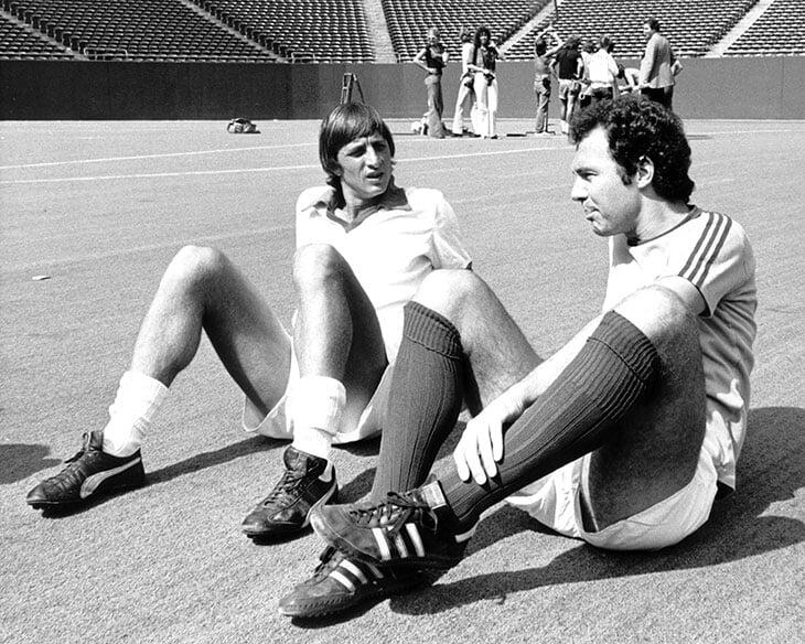 Ровно 5 лет назад умер Йохан Кройфф. Вот что можно почитать о великом игроке и тренере