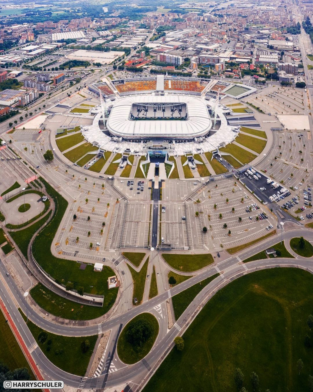 Отобрали для вас самые изысканные фотографии «Альянц Стэдиум» с высоты