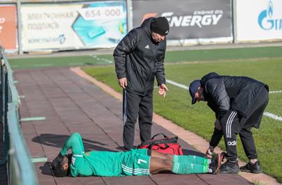 То, что мертво, умереть не может: репортаж с матча «Томь» - «Велес»