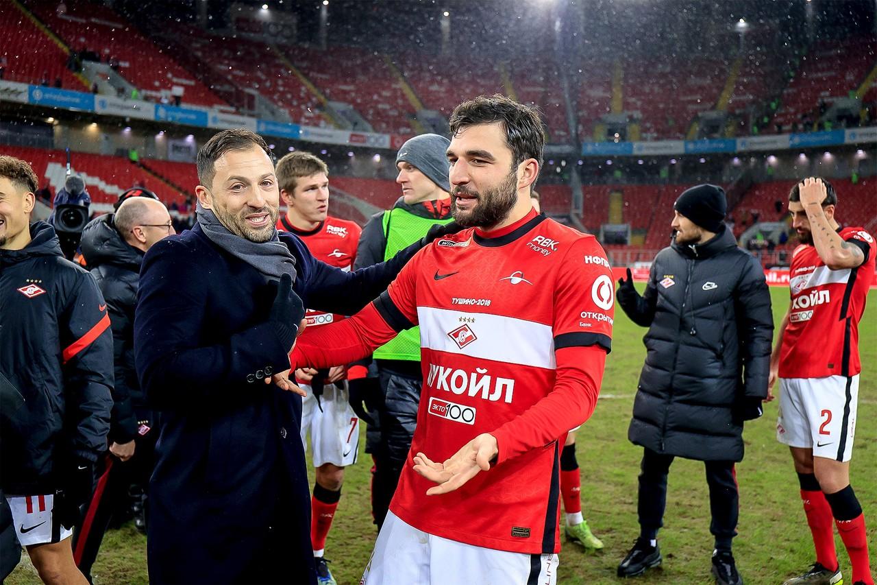 У «Спартака» 13 голов в трёх играх. Тащат опытный Промес, напористый Соболев и хитрец Ларссон