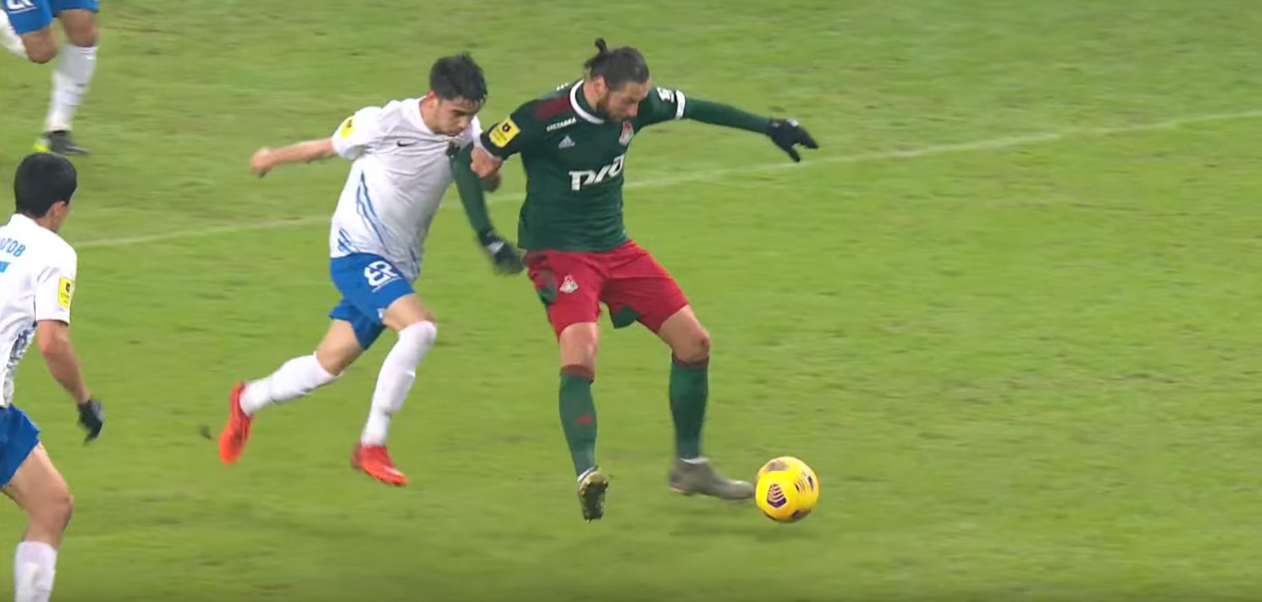 «Локомотив» уверенно обыграл «Сочи» при ужасном судействе Матюнина, но есть проблемы в обороне