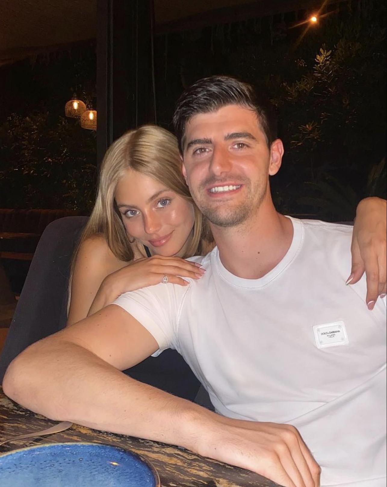 Вратарь мадридского «Реала» Тибо Куртуа представил свою новую девушку! Мишель Герциг — известная модель из Израиля