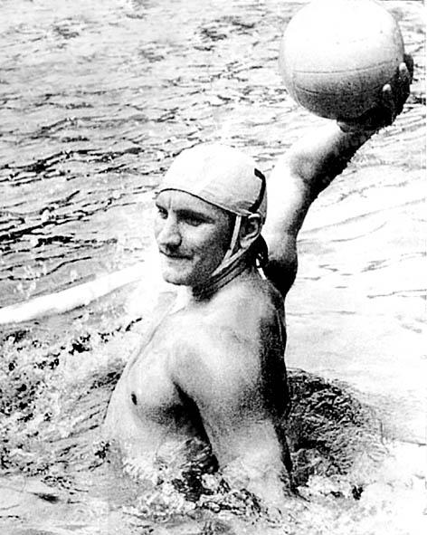 Бассейн покраснел от его крови, но Баркалов не бросил команду: как сборная Союза выиграла золото Олимпиады
