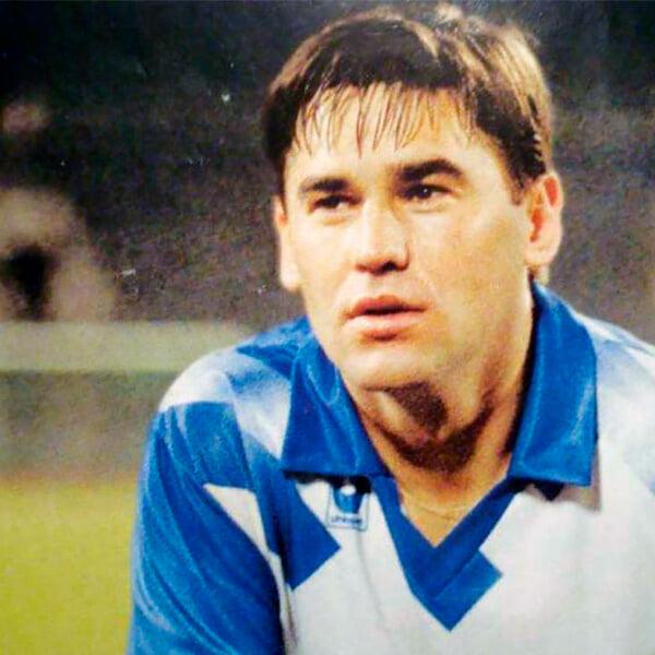Первый раз, когда в чемпионате России игрок забил 5 голов за матч. Их получила команда Газзаева
