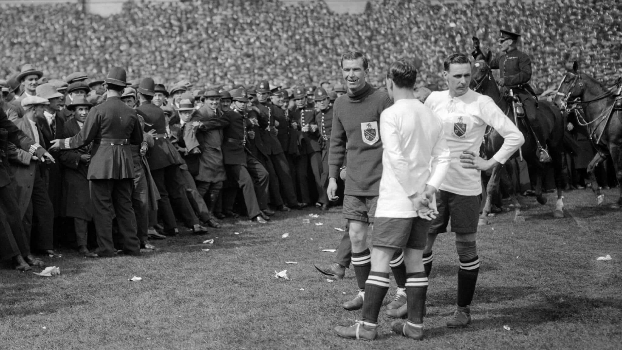 «Уэмбли», 300 тысяч зрителей, конь Билли. 98 лет назад состоялся легендарный финал Кубка Англии – «Финал белой лошади»